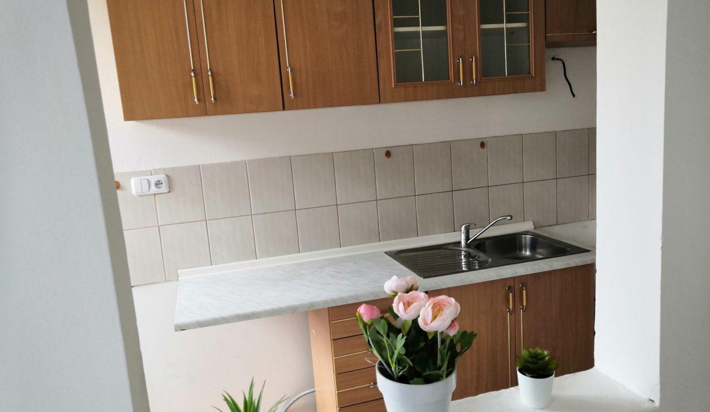 12. Kuchyň